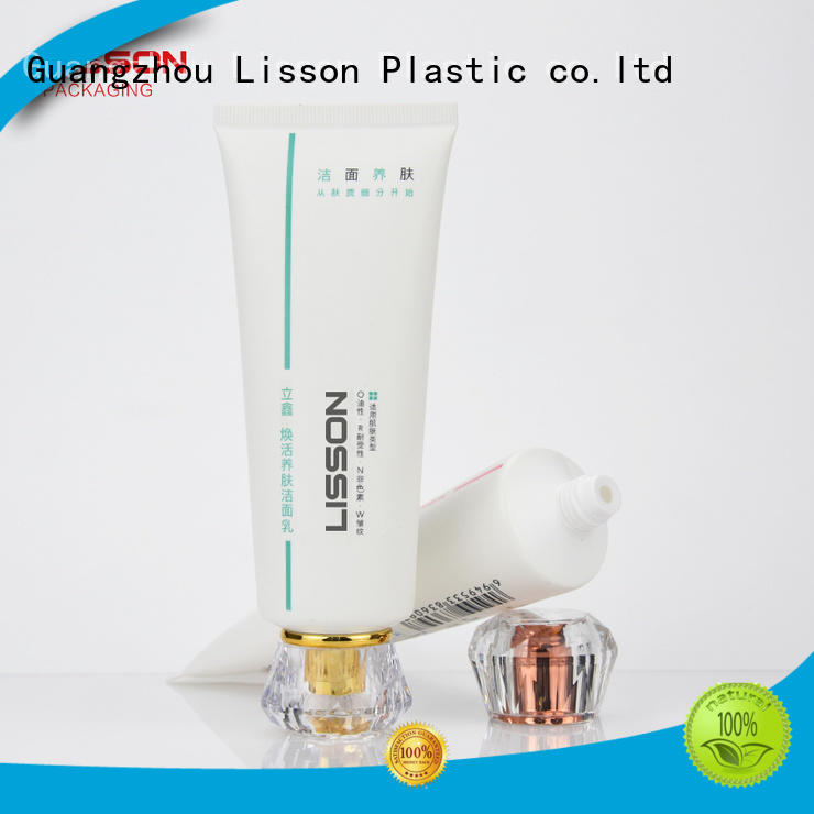 shampoo mens  plastic Lisson Brand