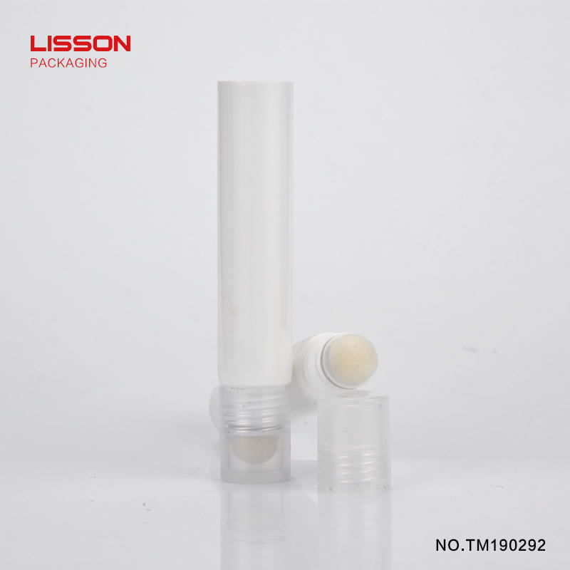 D19 empty round  make up tube with flocking applicator